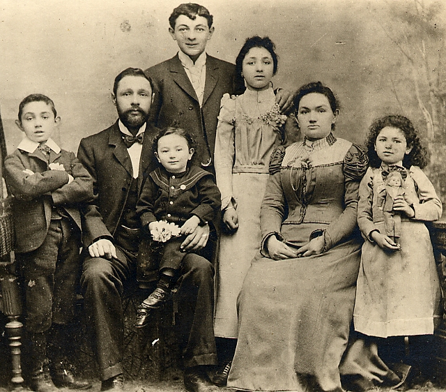 Browne family 1898